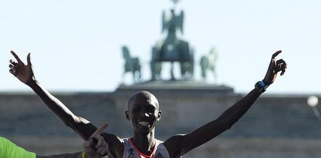 Wilson Kipsang bate el récord mundial de maratón